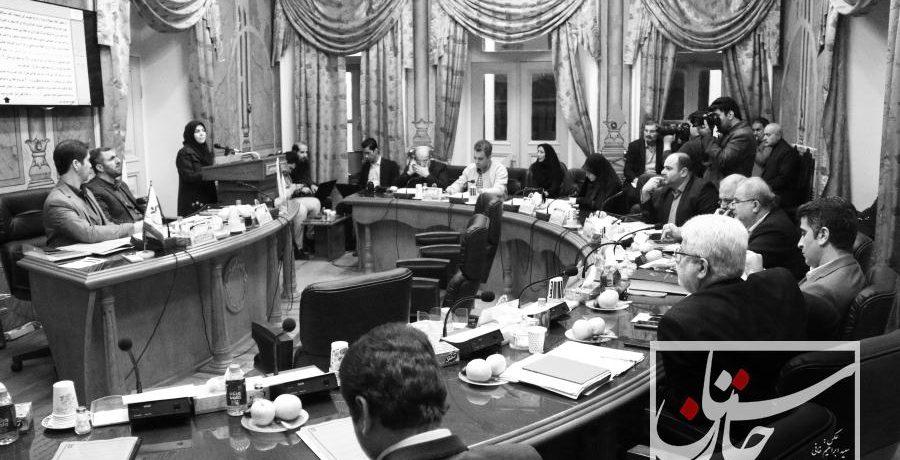 مسعود نصرتی لایحه بودجه ۹۹۲ میلیارد تومانی سال ۹۷ شهرداری رشت را تقدیم شورا کرد