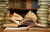 بمناسبت هفته کتاب و کتابخوانی، جلسه شورای شهر با حضور شهردار لاهیجان و مسئول اداره کتابخانه های عمومی شهرستان لاهیجان  برگزار شد