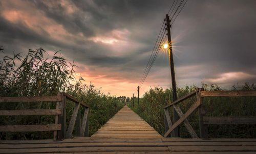 پل چوبی کیاشهر برای ایمنی گردشگران مرمت شد