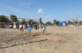 مسابقات والیبال ساحلی زیر ۲۰ سال گیلان در بندرکیاشهر برگزار شد
