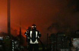 آتش سوزی انبار مواد غذایی در رشت