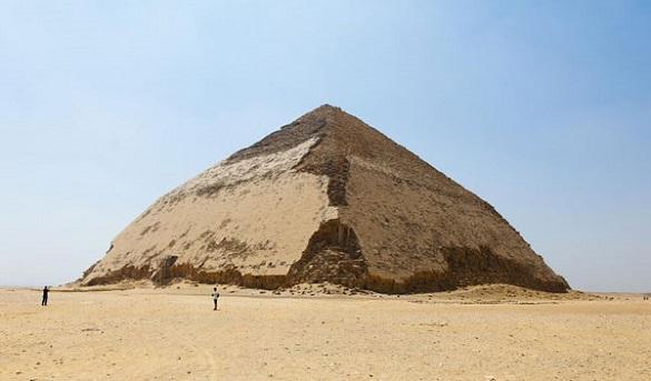 تصاویری از هرم خمیده در مصر