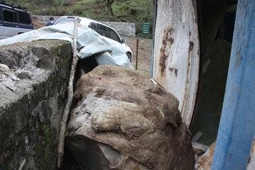 ریزش کوه و تخریب مدرسه در آستارا