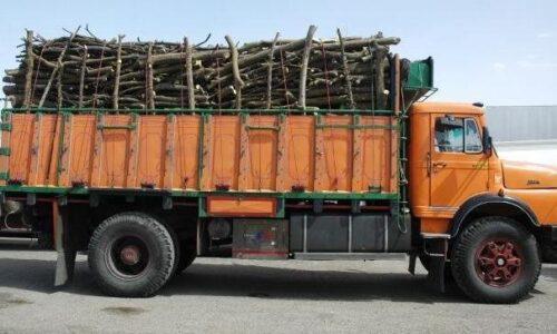کشف ۴۵ تن چوب قاچاق در صومعهسرا