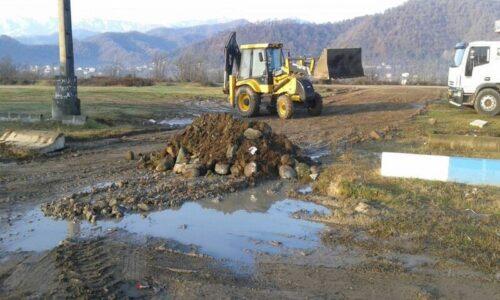 شهرداری آستارا ورودی کامیونها به حاشیه تالاب استیل را مسدود کرد