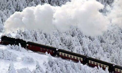 برف و بوران خللی در تردد قطارهای گیلان ایجاد نکرد
