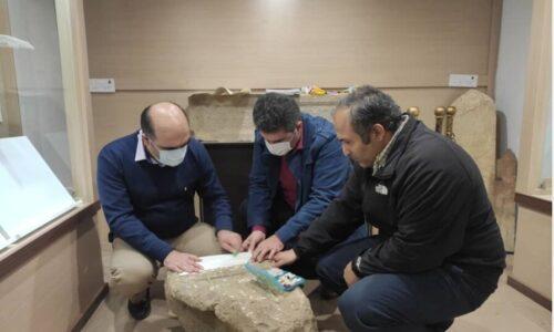 قلعه رودخان تعیین قدمت سنگ قبر باستانی کشف شده
