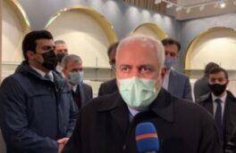 ظریف در باکو: آغوش ما برای همسایگان باز است/ خوشحالیم سرزمینهای آذری اکنون در اختیار آذربایجان است