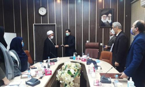 مدیرکل بهزیستی گیلان از مسئول روابط عمومی بهزیستی استان تقدیر کرد