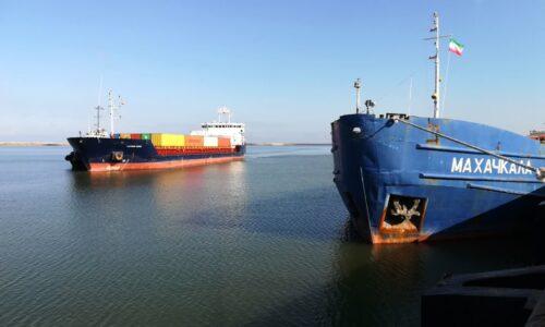 تخلیه و بارگیری بیش از ۳۱ هزار تن کالابا پهلوگیری ۱۱ کشتی در دی ماه /۳۵۰۰تی ای یو کانتینرکالا وارد بندرکاسپین شد