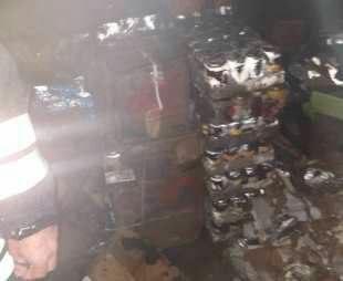 آتش سوزی ۲ انبار در رشت