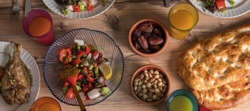 توصیههای غذایی برای روزه داران؛ ۷ نکته برای خوردن سحری سالم و با کیفیت