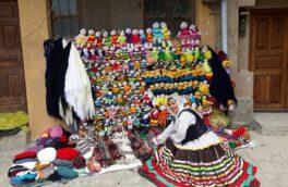 سایه شوم کرونا بر بازار عروسکهای کاموایی ماسوله